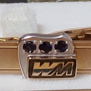 Beautiful Tie Clip Gold filled with sapphire